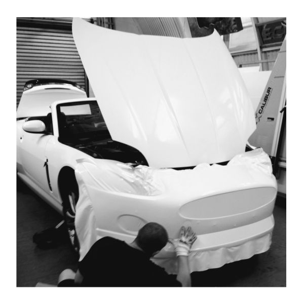 Vinyl Verhicle Colour Change White Jag from us here at Lazerpics in newton Abbot, Torquay, Exeter, Plymouth, Teignmouth, Totnes, Paignton and beyond.